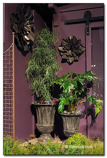 Urns and Wall Decor